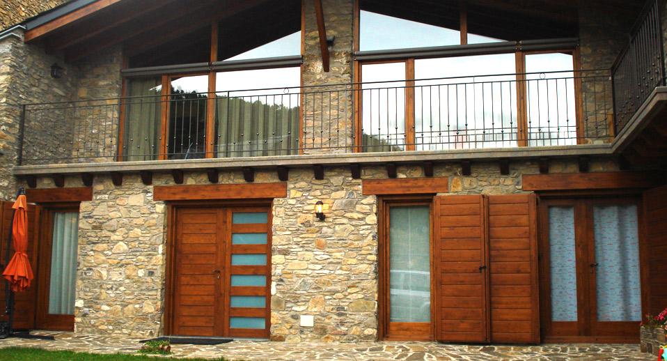 Catalogo puertas de madera catalogo ventanas obras for Ventanas en madera